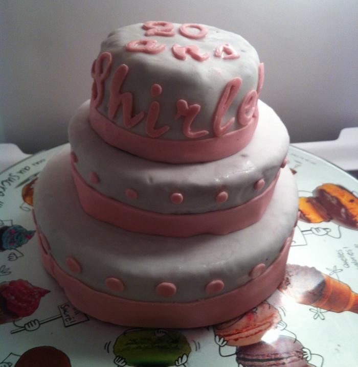 gâteau 20 ans, gâteau décoré, cake design, gâteau pâte à sucre